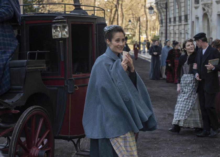 Julie De Bona, dans le Bazar de La Chartité